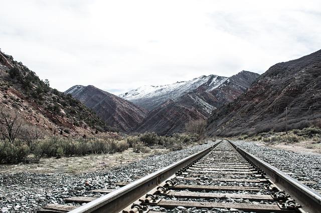 koleje v horách