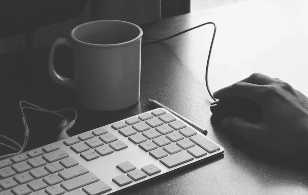 práce a klávesnice