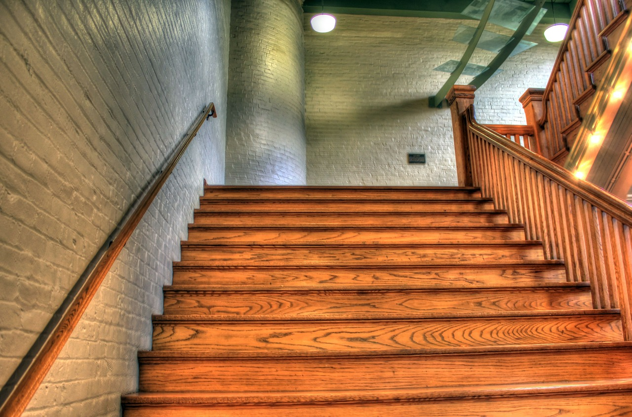staircase-347318_1280